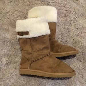 Old Navy Ugg Style Boots - like new!